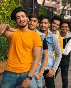 """""""Teamwork begins by building trust. Cute Boy Photo, Photo Poses For Boy, Boy Poses, Comedy Video Clips, Image Hd, Dear Crush, Star Images, Men Photography, Modeling Photography"""