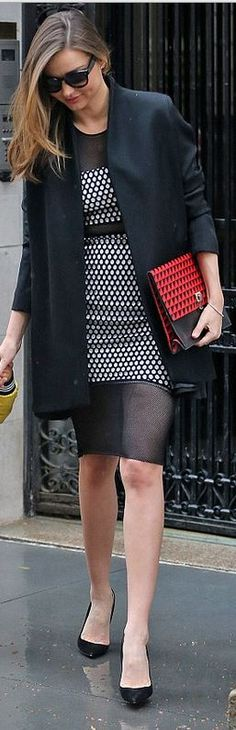 Who made  Miranda Kerr's black sunglasses, white honeycomb print mesh dress, and red print clutch handbag?