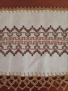 Hand Embroidery Design Patterns, Swedish Embroidery, Bargello, Pattern Design, Bohemian Rug, Pasta, Rugs, Sewing, Decor