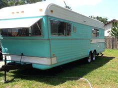 "vintage-trailer: "" 1970 Holiday Rambler """