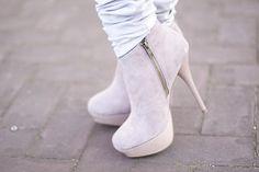 Chaussures à à talons.