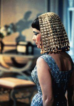 Elizabeth Taylor on the set of Cleopatra 1962.