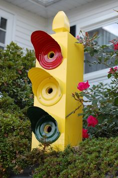 Traffic light bird house