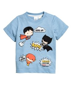 Long-sleeved T-shirts in soft cotton jersey with an all-over print and press-studs on one shoulder. Little Boy Outfits, Toddler Outfits, H & M Kids, Kids Graphics, Hipster Girls, Stylish Boys, Kids Fashion Boy, Summer Shirts, Boys T Shirts