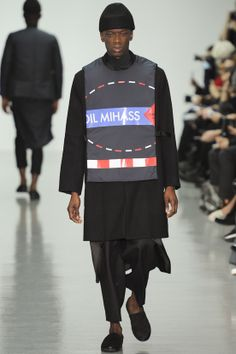 See all the Collection photos from Agi & Sam Autumn/Winter 2014 Menswear now on British Vogue Fashion Show, Mens Fashion, Fashion Outfits, Fashion Design, Fashion Trends, Vogue Paris, Fall Winter 2014, Fall 14, Autumn