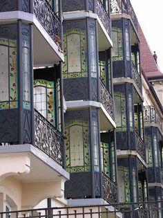Chaux_de_Fonds_balcons_Art_Nouveau.jpg (458×612)