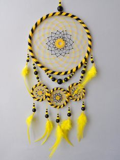 Hufflepuff Dream Catcher Wall Hanging Harry Potter Yellow Black Dreamcatcher Home Nursery Bedroom Children's Room Decor Dream Catcher Hoops, Black Dream Catcher, Dream Catcher Art, Dream Catcher Mobile, Indian Arts And Crafts, Diy And Crafts, Harry Potter Bedroom, Crochet Dreamcatcher, Deco Boheme