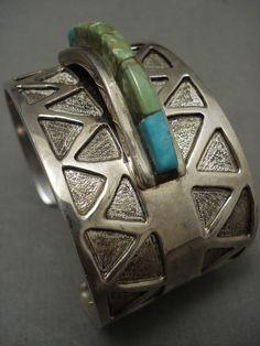 MUSEUM QUAITY VINTAGE NAVAJO 'RAISED INLAY' GREEN TURQUOISE SILVER BRACELET    eBay Vintage Turquoise Jewelry, Turquoise Bracelet, Silver Jewelry, Green Turquoise, Native American Jewelry, Navajo, Sterling Silver, Bracelets, Museum
