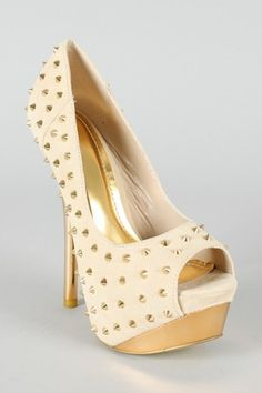 Love it when a pair of heels makes you wanna go out and find trouble!