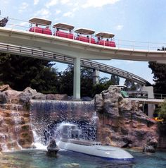 """gameraboy: """"The PeopleMover in Disneyland. It can't be reopened at Disneyland without redesigning it so people can walk safely on the track. Old Disney, Disney Love, Disney Magic, Disney Theme, Disney Stuff, Disneyland Tomorrowland, Disneyland Resort, Disneyland California, Vintage Disneyland"""