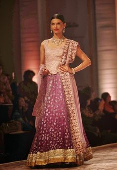 Meera Muzaffar Ali Show at Aamby Valley India Bridal Fashion Week