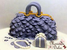 Tarta bolso https://www.facebook.com/pages/Merienda-Dulce-Reposteria-Creativa/443377039054424?ref=tn_tnmn