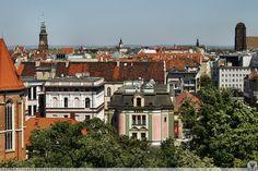 Widok z dachu DH RENOMA w kierunku Starego Miasta.