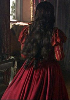 Anne's Red Dress from Behind, I love her hair !