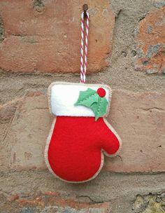 Fieltro adornos de Navidad adornos por TillysHangout en Etsy                                                                                                                                                                                 Más
