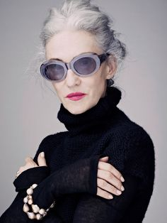 Linda Rodin (of Advanced Style, & Olio Lusso fame) - always love her eyewear. Rodin, Looks Style, My Style, Streetwear, Mode Simple, Advanced Style, Advanced Beauty, Quirky Fashion, Ageless Beauty