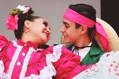 Muy pronto nos iremos de gira por municipios para llevarte lo mejor de la danza la música y el teatro! Espera el Circuito Escénico Metropolitano en tu ciudad.  #Mayo2017 #EstoEsCONARTE