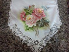 Rosvita Artes ...Pintura em Tecidos e Emborrachados: Caminho de mesa com guiper , tecido panamá.Faço po...