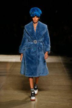 As 1221 melhores imagens em Dress me no Pinterest de 2019   Couture ... 7c0f10b271