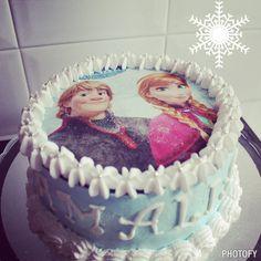 Tarta de chocolate para el cuarto cumpleaños de Amalia con Anna y Kristoff de