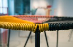 Meble spaghetti, zwane drutoplastikami. Vintage | Ciasne, ale własne! Blog o wnętrzach