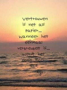 Anita`s crea site: januari 2014 Mad Quotes, True Quotes, Words Quotes, Best Quotes, Dark Love Quotes, Dutch Quotes, Verse, Super Quotes, True Words