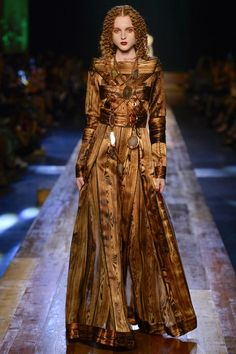 See the complete Jean Paul Gaultier Fall 2016 Couture collection.