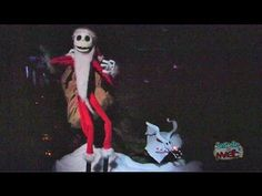 Visit http://www.InsideTheMagic.net for more from Halloween Time at Disneyland!    Jack Skellington of The Nightmare Before Christmas takes over The Haunted Mansion during the last three months of the year with a complete transformation called Haunted Mansion Holiday.  This video takes you through the 2012 version of the attraction, including the ...