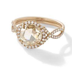 Une bague en or et en diamant : idéal pour placer vos économies en vous faisant plaisir :)  Investissez votre argent en sécurité grâce à Vendome Tradition   #Investir #sécurité #diamants #argent #Vendome #Astuce #Color #nails #ongles #custom #ring #bague #gold #or