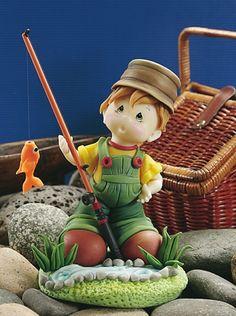 El pescador Compra el patron con las instrucciones en www.eviadigital.com y empezá ya a modelar con porcelana fria.
