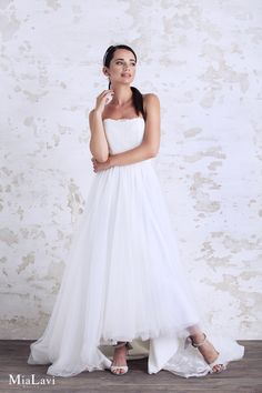 Romantic wedding dress 1714, Mia Lavi 2017