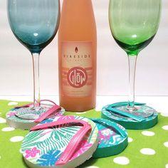 @michellekjames posted to Instagram: Dollar Store flip flops make the perfect summer wine glass coasters! #flipflops #winecoasters #winelover #dollartreediy #dollarstore #dollartreediys #summerdiy #diy #diycrafts #craftylife #summercrafts Birthday Wine Glasses, Diy Wine Glasses, Dollar Tree Birthday, Diy Birthday, Summer Diy, Summer Crafts, Diy Coasters, Glass Coasters, Flip Flop Craft