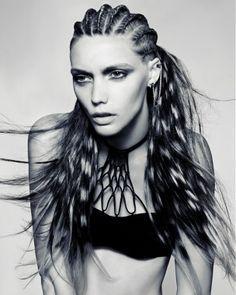 Fashion braids #braids #braidsinspiration #love2braid #vlechten #inspiration #hair #hairdo #coloured braids #coloured hair #hairdo #hairstyle #hairstylist #braidstylist #braidstyle #fashion #hairfashion #fashionbraids