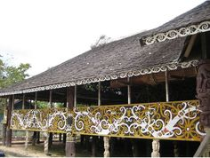 Southeast Asian home Asian Architecture, Vernacular Architecture, Architecture Design, Southeast Asian Arts, Philippine Art, Asian Decor, Architectural Features, Borneo, Traditional House