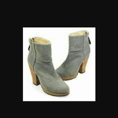 """Rag & Bone Canvas Newbury boots sz 39.5/9.5 NWOB Canvas upper, leather sole Zip up back Heel:3.5"""" Orig  $475 SOLD OUT EVERYWHERE rag & bone Shoes Ankle Boots & Booties"""