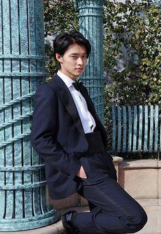 山﨑賢人 Todome no kiss Handsome Actors, Handsome Boys, Kento Nakajima, L Dk, Japanese Boy, Japanese Fashion, J Star, Human Pictures, Kento Yamazaki