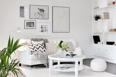 Are you looking for a simple living room design? Here are 28 cheap and simple living room interior ideas. Room, Interior, Apartment Living Room, Bright Living Room, Living Room Scandinavian, Home Decor, Room Inspiration, Room Decor, White Rooms