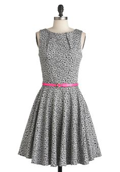 Luck Be a Lady Dress in Daisy | Mod Retro Vintage Dresses | ModCloth.com