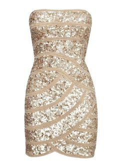 Love this dress!  Maybe I'll find something like this for my next formal event!!