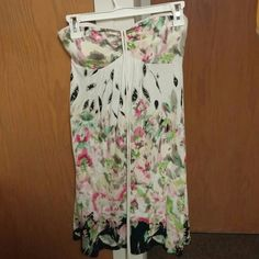 American Eagle Dress Super cute, padded, ties in the front, perfect condition! Make an offer today! American Eagle Outfitters Dresses