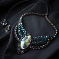 New necklace with labradorite and glass beads. #Svitoe #macrame #micromacrame #handmade #jewelry #bijoux #boho #bohemian #beauty #ethnic #макраме #украшения #ручнаяработа #black #beads #natural #stone #labradorite #necklace