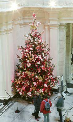 2004 Christmas Tree installation by Matthew Williamson - © Victoria and Albert Museum, London