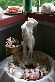 """altarsmoke: """" Bathroom altars! The bathroom is already part of our daily rituals, so it's the perfect place for a shrine to Venus (associated with water, youth, beauty and love). Source: 1 """""""