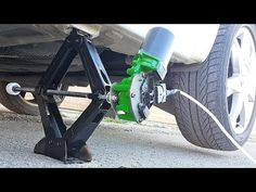 How to make an electric jack for a car. Homemade Tools, Diy Tools, Garage Shop, Useful Life Hacks, Garage Workshop, Woodworking Bench, Diy Wood Projects, Automotive Tools, How To Make