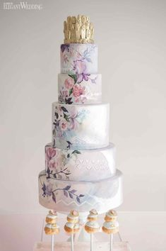 Flower Child | Producer & Creative Director: Diana Pires of Truly Yours Planning | Cake: Nadia & Co. | Photo: Amsis Photography | Boho Hand Painted Wedding Cake