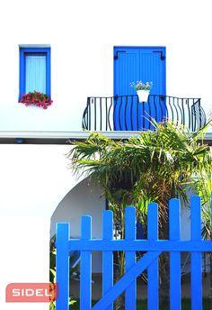 Sidelsrl, il blu del mare come tono principale per un luogo da sogno! / blue sea as the main tone for a dream place!  #sidelsrl #sea #mare #blu #wood #legno #place