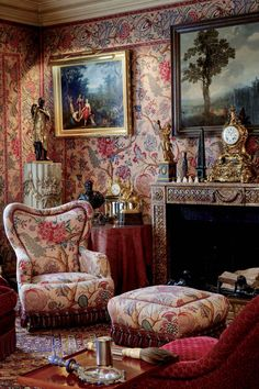 Inside The Beautiful World of Robert Zellinger de Balkany in Paris : his hôtel particulier : Hôtel de Feuquières, 62 rue de Varennes - An exceptional collection, assembled over more than fifty years with among famous paintings and objets d'Art, some marvelous Obelisks, Columns & a prestigeous collection of antique clocks.
