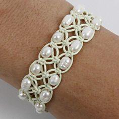 macrame and pearl bracelet Hemp Jewelry, Macrame Jewelry, Macrame Bracelets, Handmade Jewelry, Knotted Bracelet, Pearl Bracelet, Bracelet Crafts, Jewelry Crafts, Bracelet Making