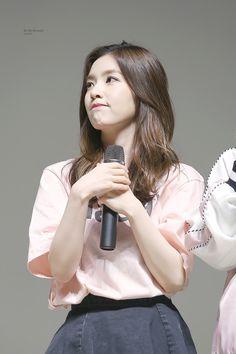 Kpop Girl Groups, Kpop Girls, Video Japanese, Red Velvet Irene, Seulgi, Beautiful Soul, Latest Pics, Korean Singer, Fascinator