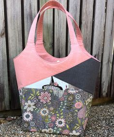 Stand Up & Tote Notice Pattern – two pretty poppets